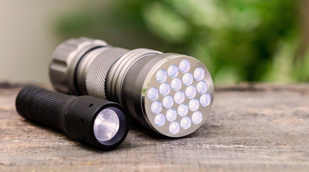 best-handheld-torch-best-flashlight-top-5-camping-lights