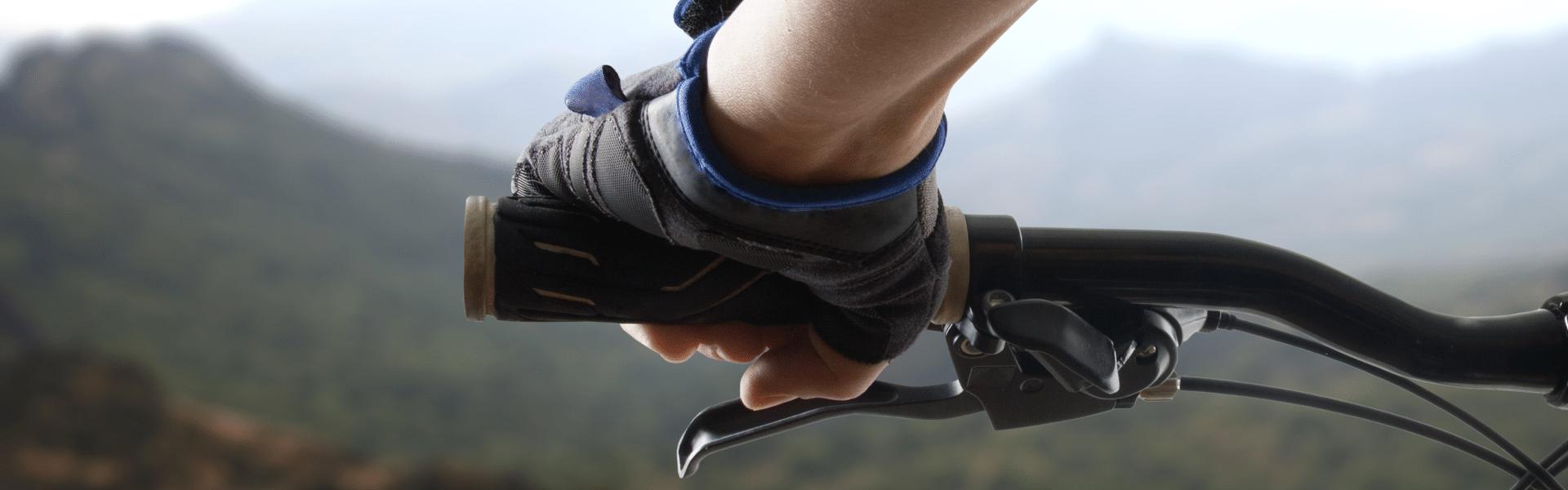 Best Mountain Bike Gloves Reviewed in Detail